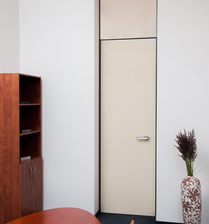 Išskirtinės stiklinės vidaus durys