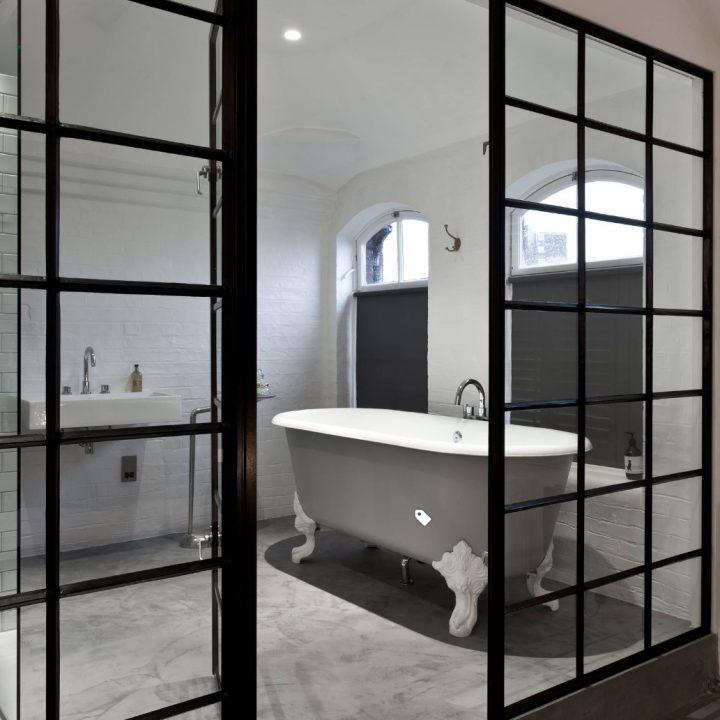 Aliuminio stiklo durys ir pertvaros